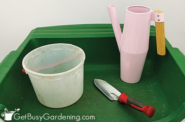 Supplies needed to mix soil for houseplants