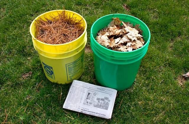 Different types of vegetable garden mulches
