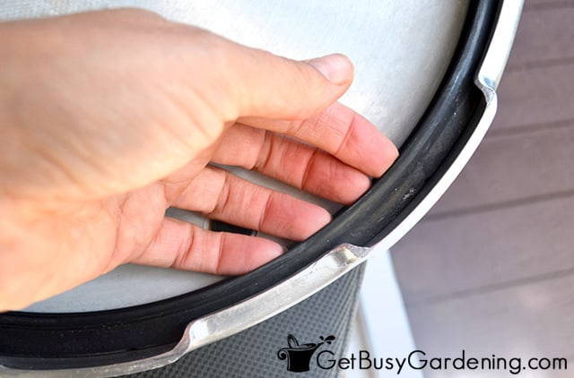 Replacing old pressure canner gasket
